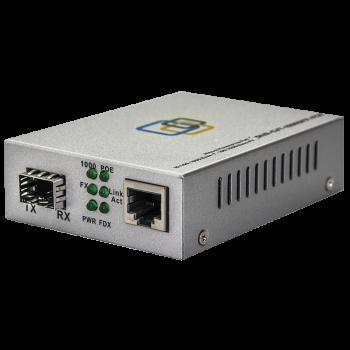 Медиаконвертер  10/100/1000-Base-T c PoE / 100/1000Base-FX с SFP-портом