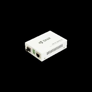 Медиаконвертер  10/100/1000-Base-T / 1000Base-FX с SFP-портом