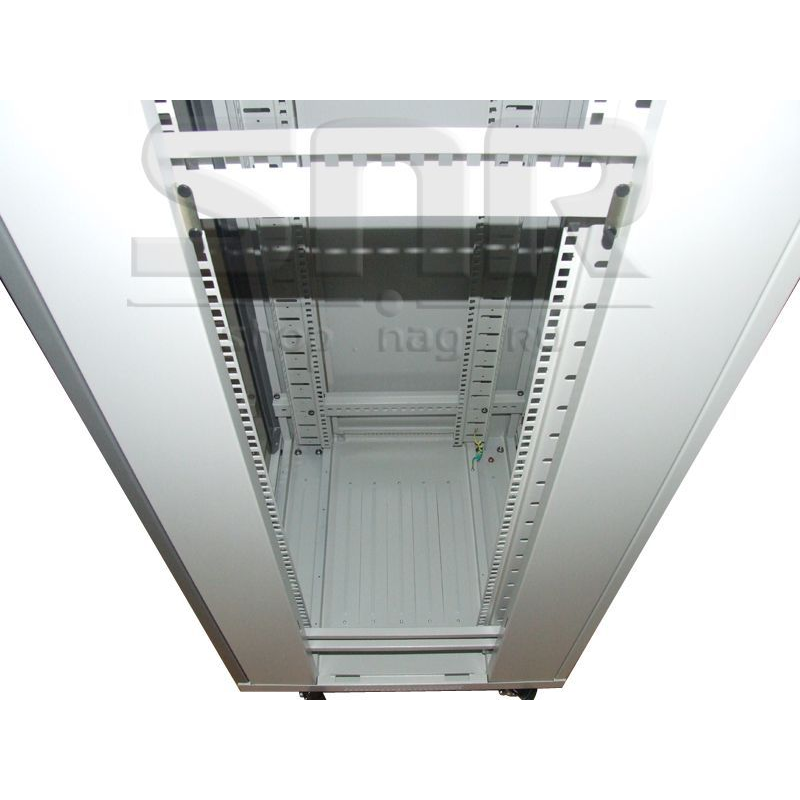 Шкаф телекоммуникационный напольный 27U 600x600мм, серия TFC (SNR-TFC-276060-GS-G) (имеются следы монтажа и царапины)